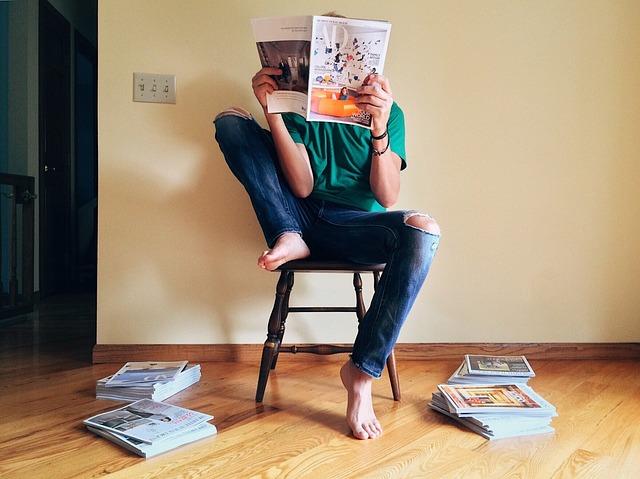 pročítání časopisů