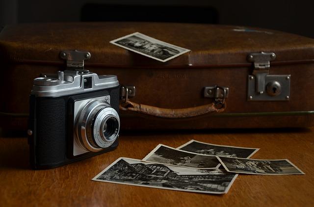 fotky, foťák a kufr